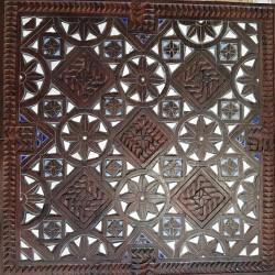 Mosaïque sur bois sculpté...