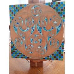 Mosaïque sur bois sculpté